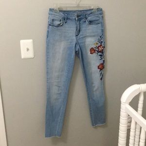 Universal Thread Embroidered floral jeans